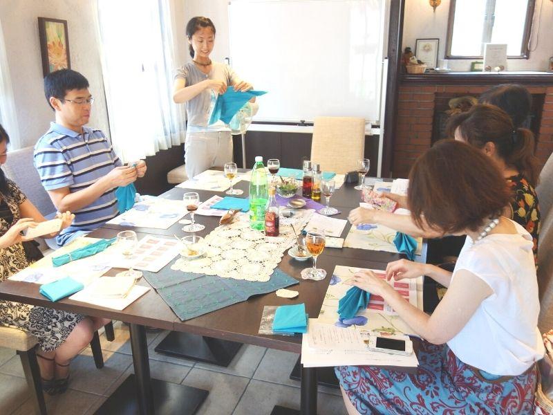 2016年夏の薬膳会にてテーブルデザイナーみうらひろこ先生のセミナー
