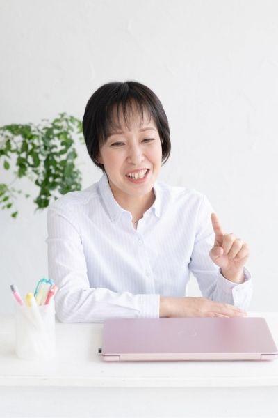 薬機法ライター秋山嘉代さん